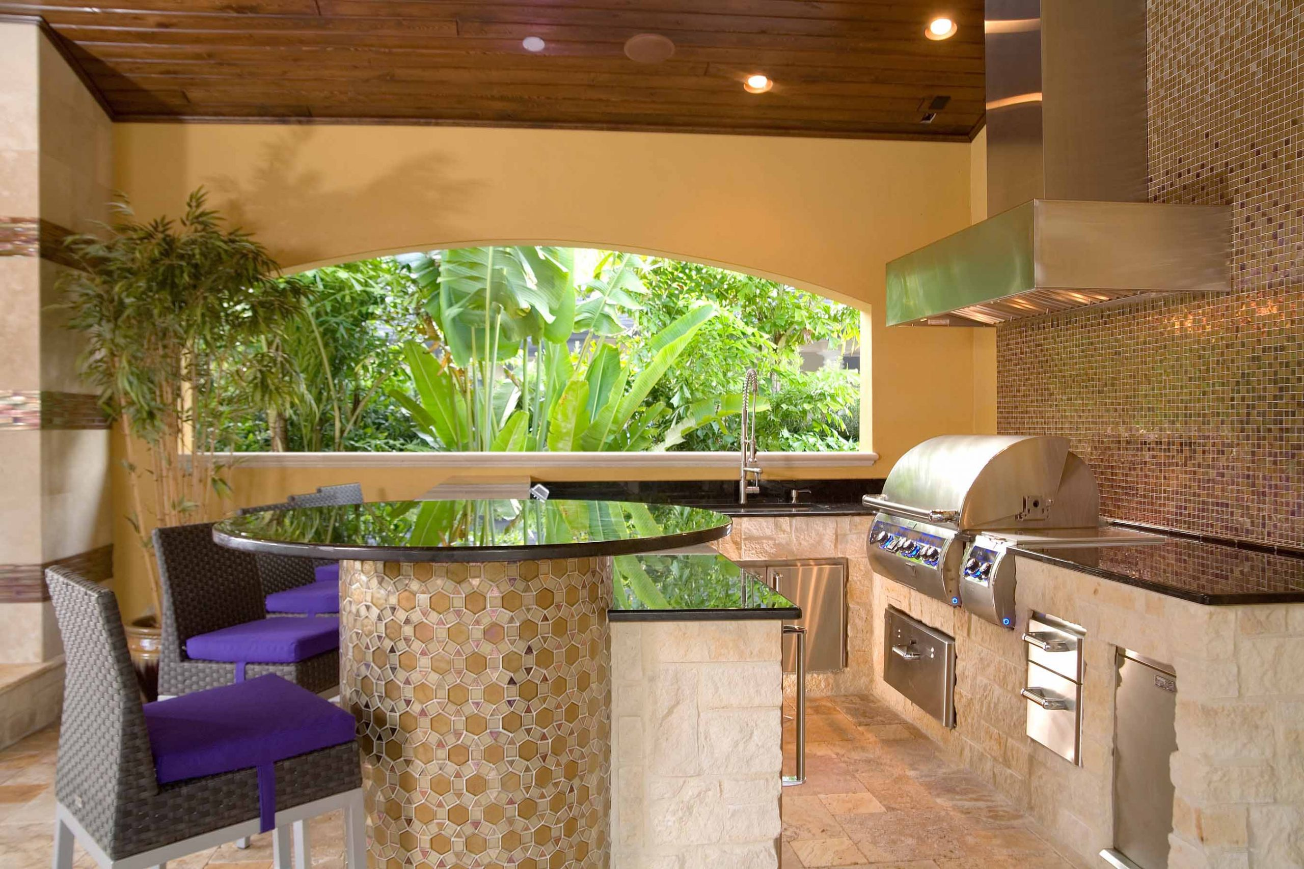 Ryan Hughes outdoor kitchen design